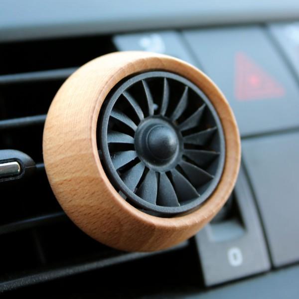 Car Diffuser Engine, mobiler Lufterfrischer für das Auto in heller Holzoptik
